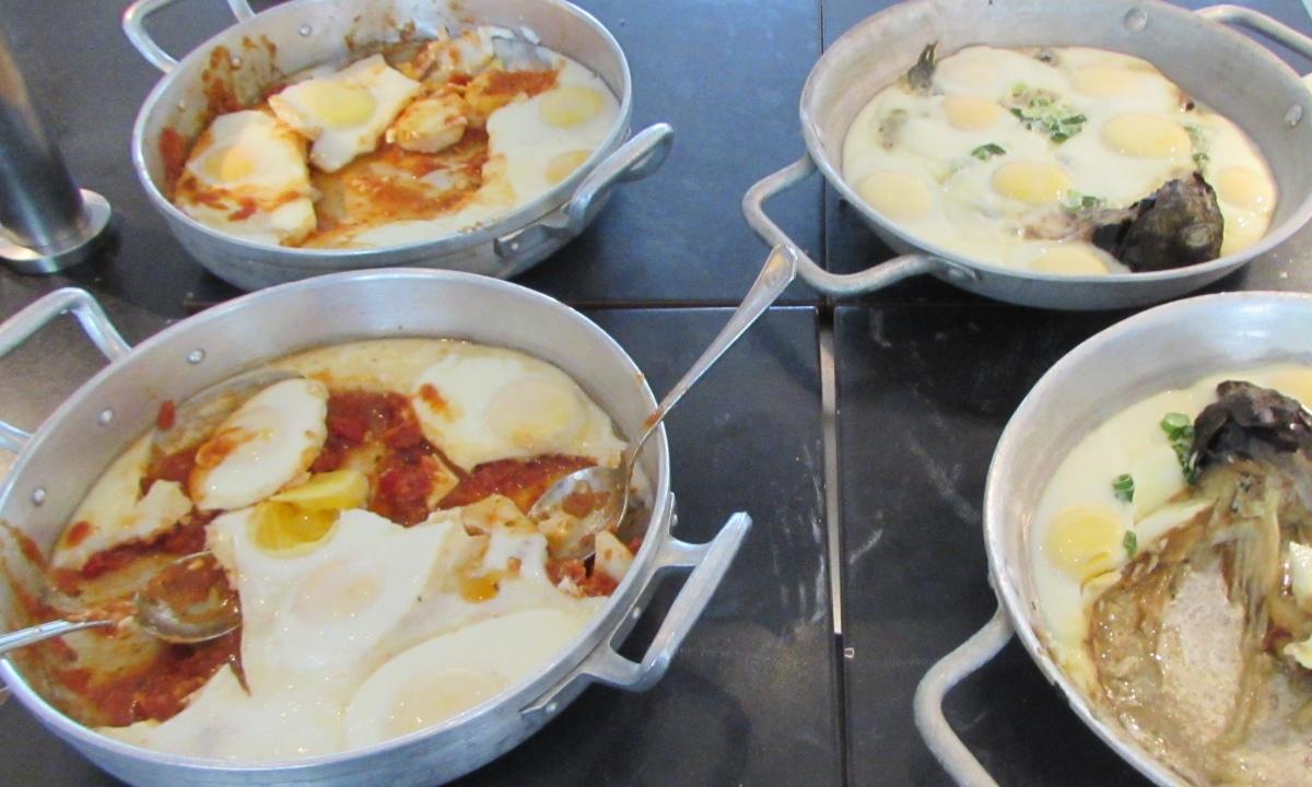 שקשוקה בשני סוגים ארוחת בוקר מלון רויאל ביץ אילת