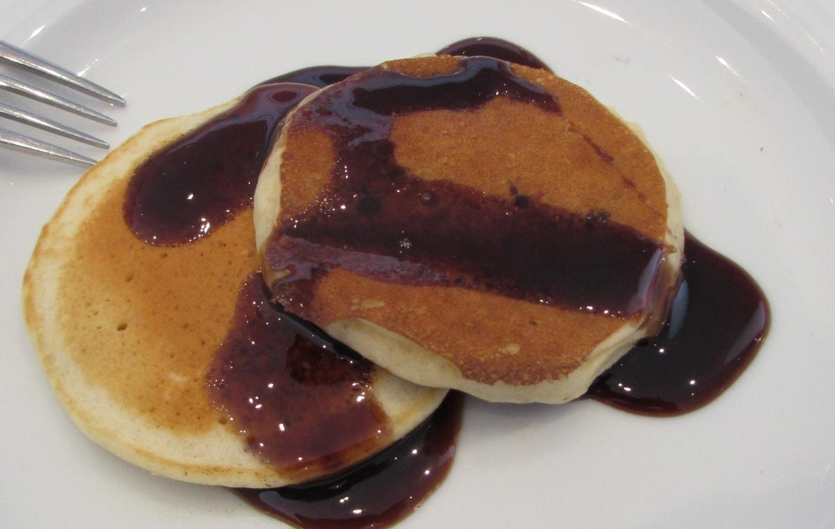פנקייק ארוחת בוקר מלון רויאל ביץ אילת