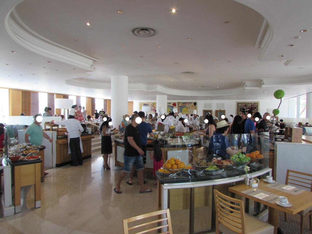 חדר האוכל ארוחת בוקר מלון רויאל ביץ אילת