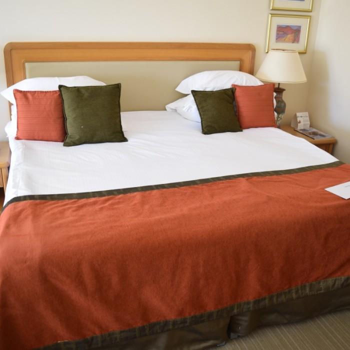 המיטה החדר מלון רויאל ביץ אילת