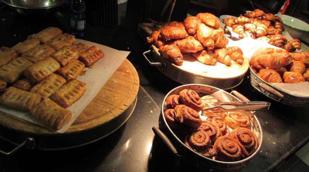 מאפים, קינוחים ארוחת בוקר מלון יו קורל ביץ אילת