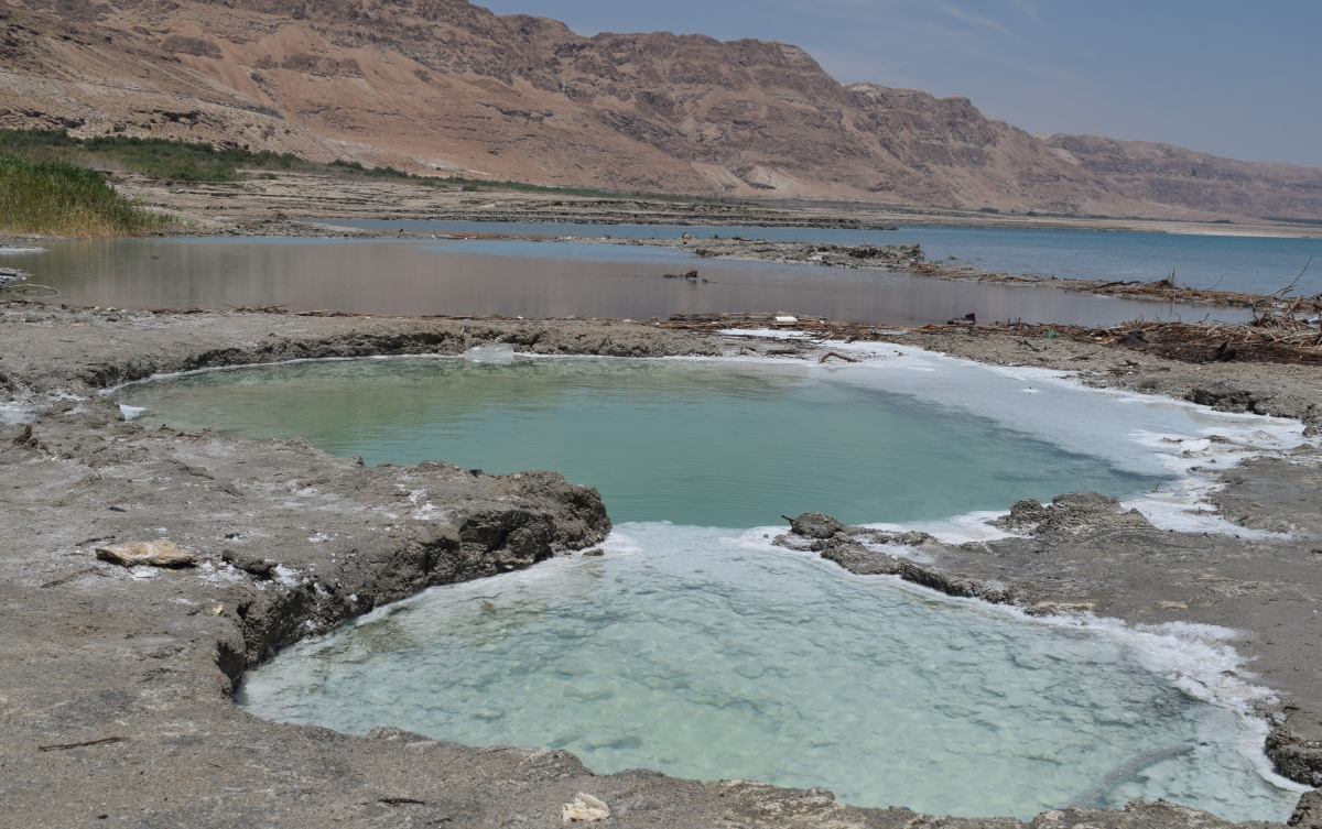 the-beach-dead-sea-3