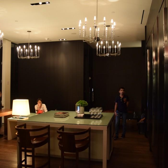 הלובי קטן אבל מתאים לצרכי המלון מלון אנדז השדרה החמישית ניו יורק