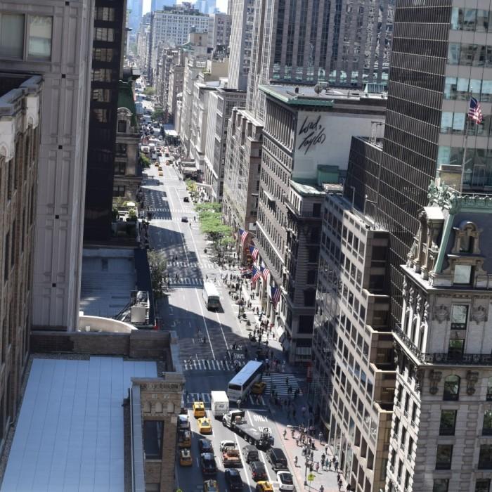 הנוף לשדרה החמישית מלון אנדז השדרה החמישית ניו יורק