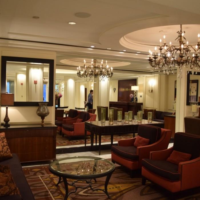 הלובי מלון אומני ברקשייר ניו יורק