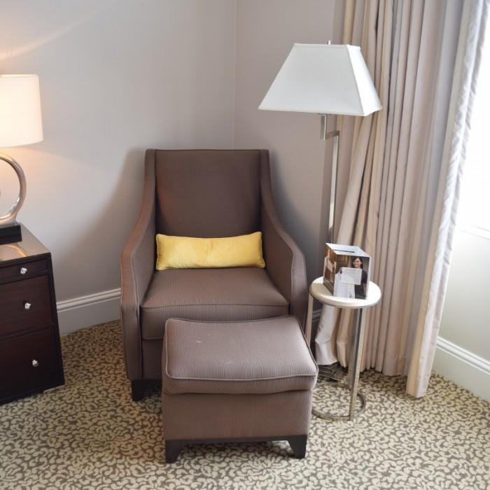 כורסא מלון אומני ברקשייר ניו יורק