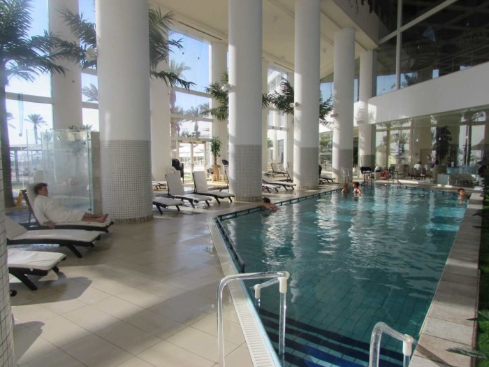 מלון קראון פלאזה ספא