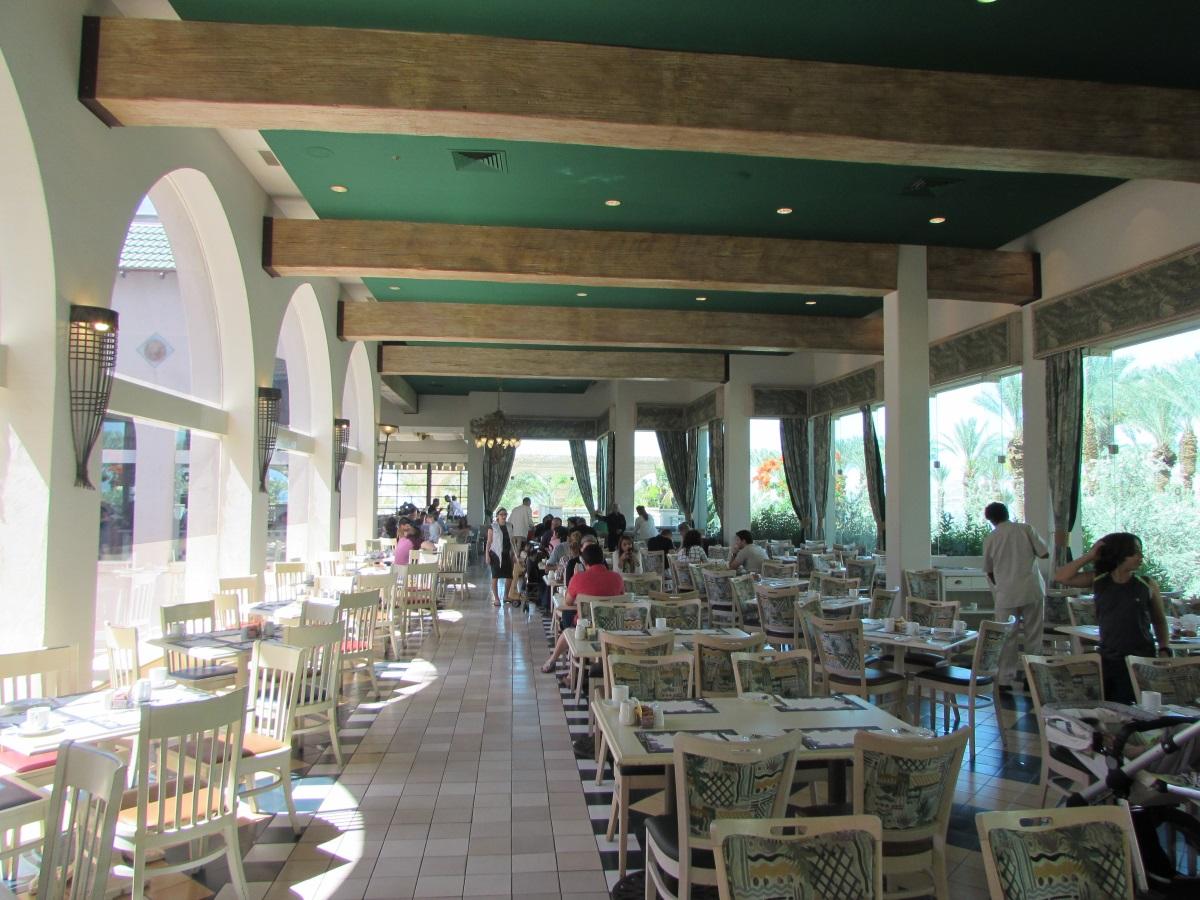 חלק נוסף מחדר האוכל ארוחת בוקר מלון הרודס פאלאס אילת