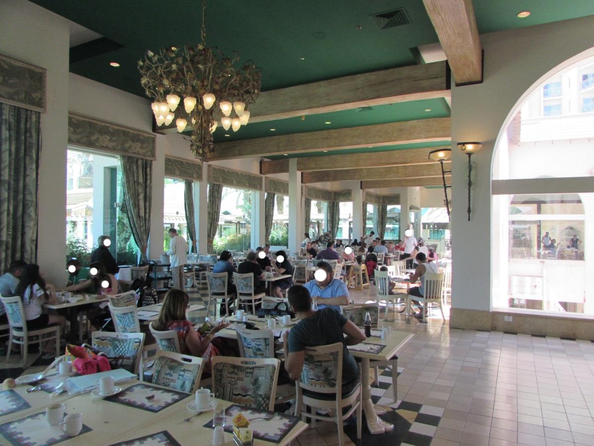 חלק מחדר האוכל ארוחת בוקר מלון הרודס פאלאס אילת