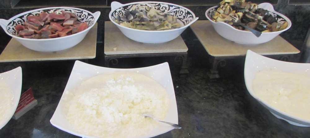 גבינות ודגים ארוחת בוקר מלון לאונרדו קלאב אילת
