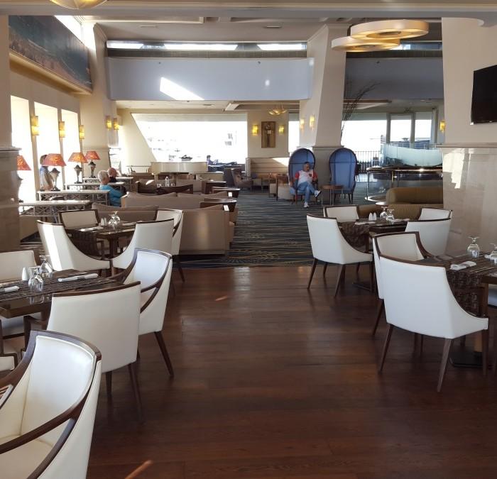 לובי מלון רנסנס תל אביב
