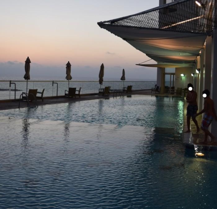 בריכה פתוחה וסגורה יפיפיה מול הים דן תל אביב