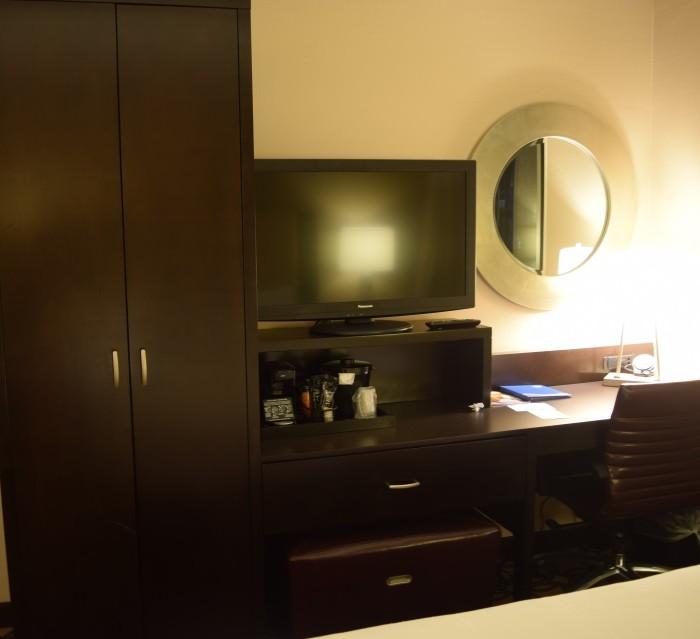 טלוויזיה ושולחן עבודה מלון פיירפילד ליד תחנת פנסילבניה ניו יורק