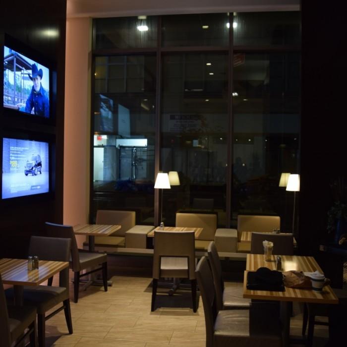 חלק מהלובי מלון הומווד סוויטס מידטאון ניו יורק