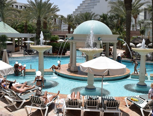 tub-swimming-pools-hotels-eilat