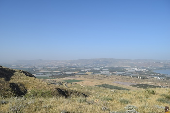 הנוף מאזור המעיין