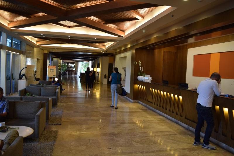 הכניסה מלון דן קיסריה