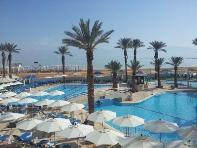 מלונות עם חוף צמוד בים המלח