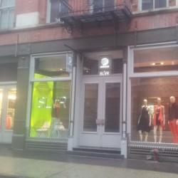 חנות האופנה של אדידס SLVR