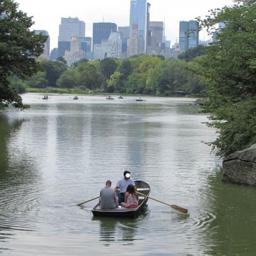 סנטרל פארק קייץ אנשים שטים באגם
