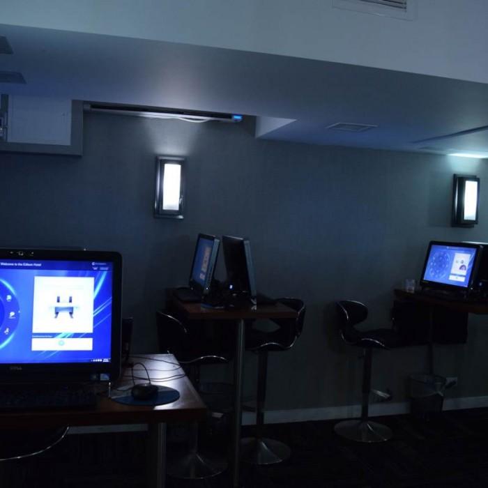 מחשבים לשימוש חופשי מלון אדיסון ניו יורק