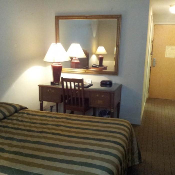 החדר במבט מבפנים החוצה מלון פנסילבניה