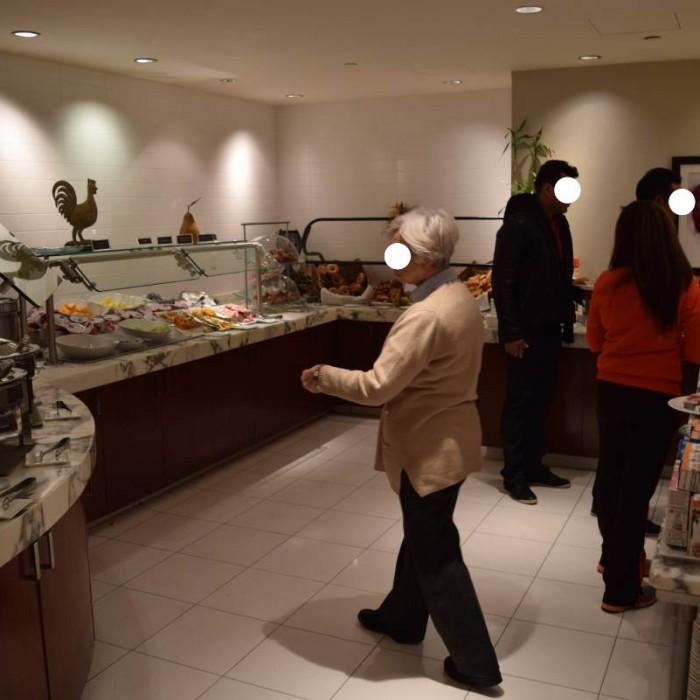 האוכל ארוחת הבוקר מלון קראון פלאזה ניו יורק
