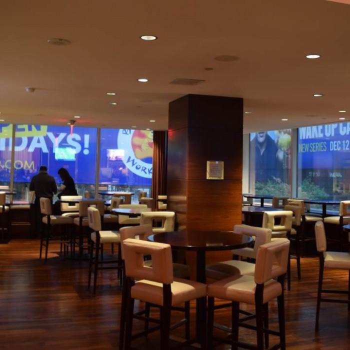 הלובי מלון קראון פלאזה ניו יורק