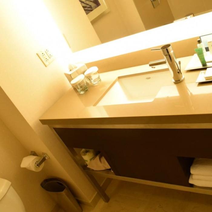 חדר האמבטיה מלון הילטון טיימס סקוור ניו יורק