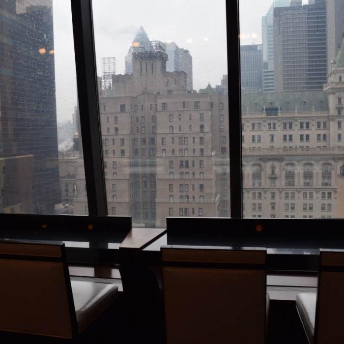 הנוף מהלובי מלון הילטון טיימס סקוור ניו יורק