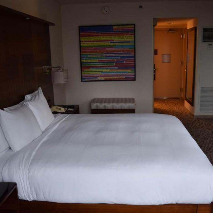 החדר ביום מהכיוון ההפוך מלון הילטון טיימס סקוור ניו יורק