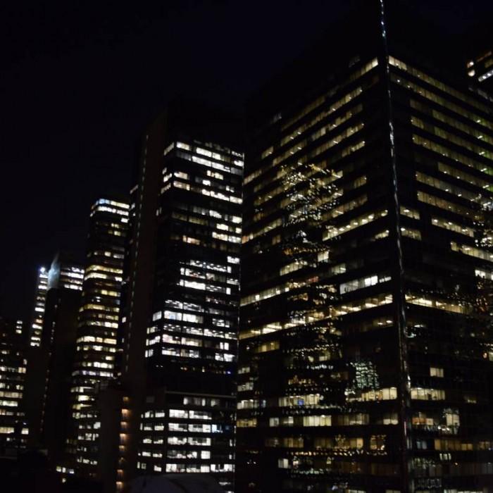 הטרסה בלילה מלון פוד 51 ניו יורק