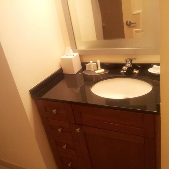 חדר האמבטיה מלון רזידנס אין טיימס סקוור
