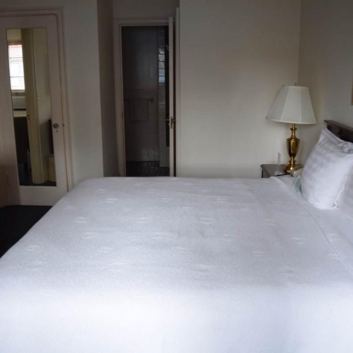 החדר מהכיוון ההפוך מלון סליסבורי ניו יורק