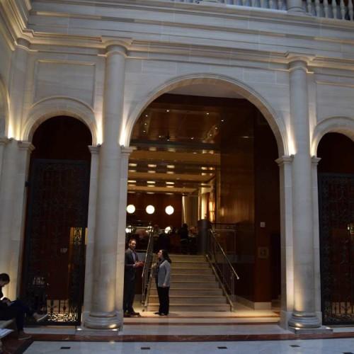 חדר ארוחת הבוקר במלון לה פארקר מרידיאן