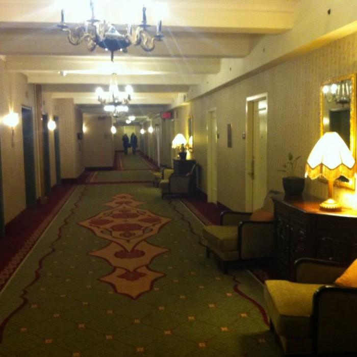 מסדרון בקומת החדרים מלון רוזוולט ניו יורק