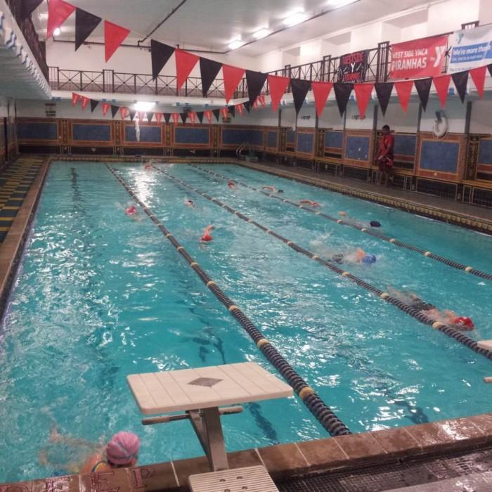 הבריכה מלון YMCA ווסט סייד ניו יורק