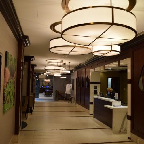 הקבלה של מלון הילטו מידטאון איסט
