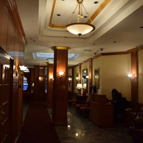 הכניסה למלון Hotel St. James