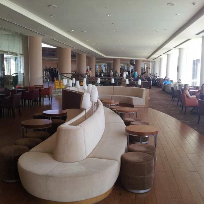 הלובי מלון קראון פלאזה ים המלח