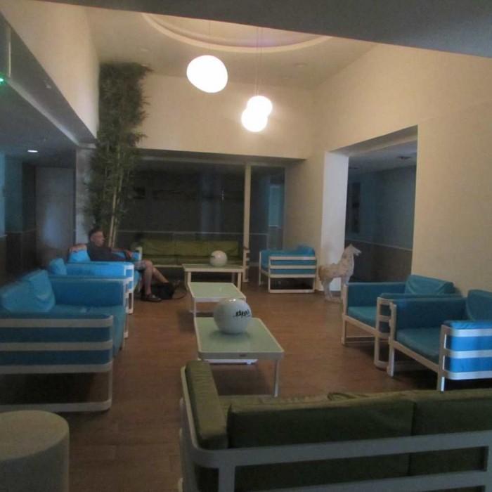 חדר ההמתנה ספא מלון הרודס ים המלח