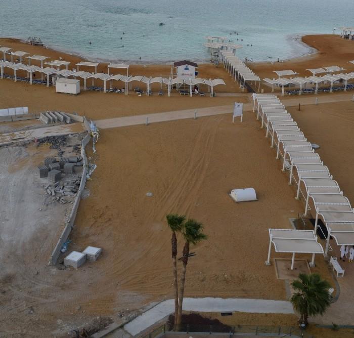 החוף מלון הוד המדבר ים המלח