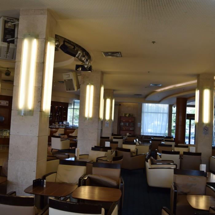 לובי מלון הוד המדבר ים המלח