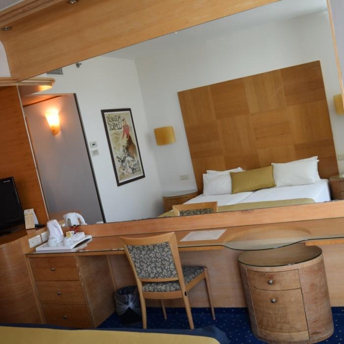 הריהוט מלון הוד המדבר ים המלח:
