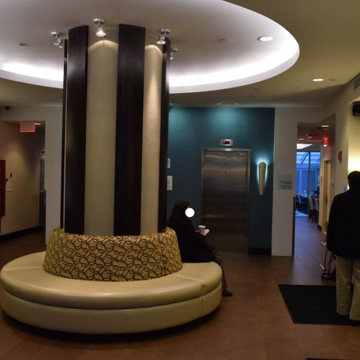 הכניסה, הקבלה והלובי של המלון הולידיי אין אקספרס טיימס סקוור דרום ניו יורק