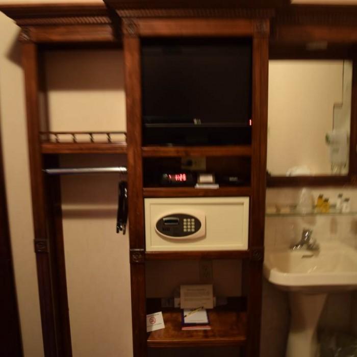 הריהוט בחדר מלון 31 ניו יורק