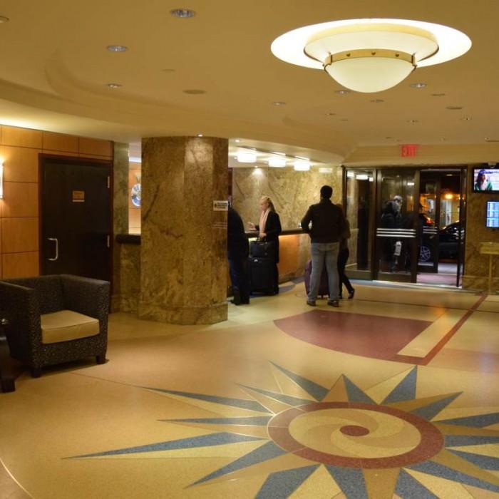 הכניסה למלון בלוודר ניו יורק