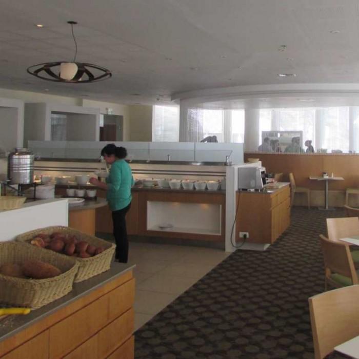חדר האוכל מלון ישרוטל גנים ים המלח