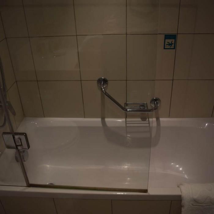 האמבטיה מלון ישרוטל גנים ים המלח