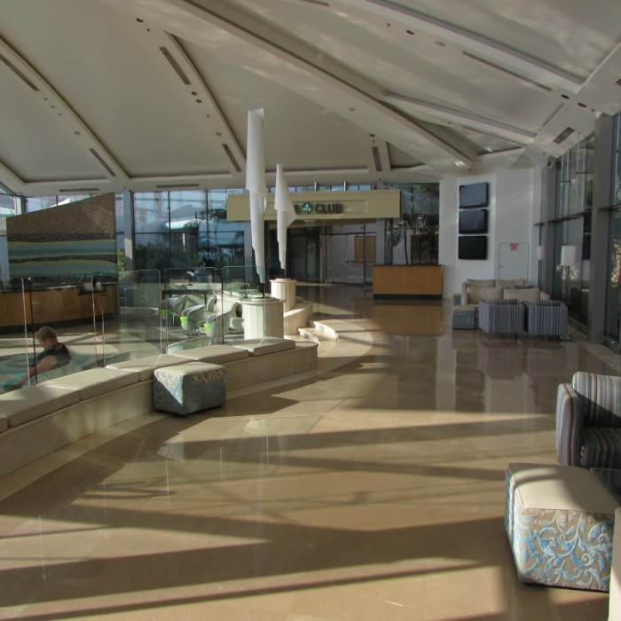 הכניסה למלון אואזיס ים המלח